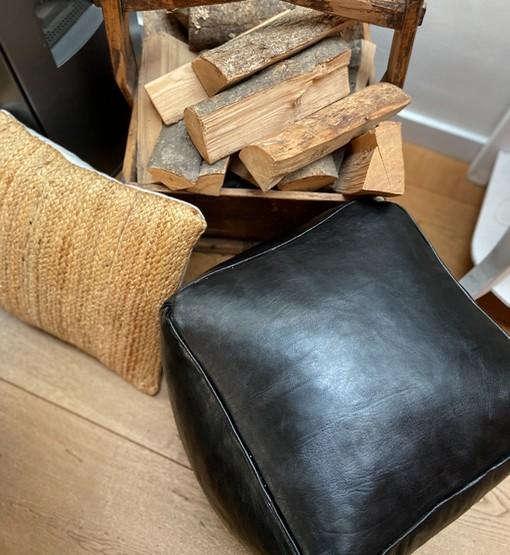 square leather pouf black