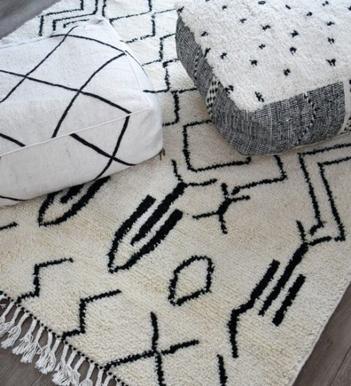 kilim dotted pouf white and black