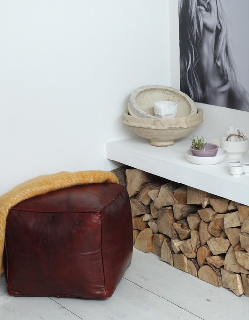 square chesnut brown leather pouf 1